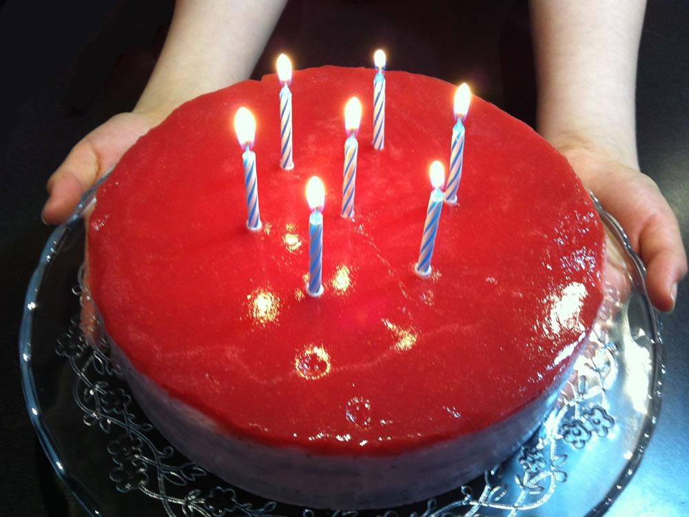 Strawberry_Yoghurt_Jelly_Cake